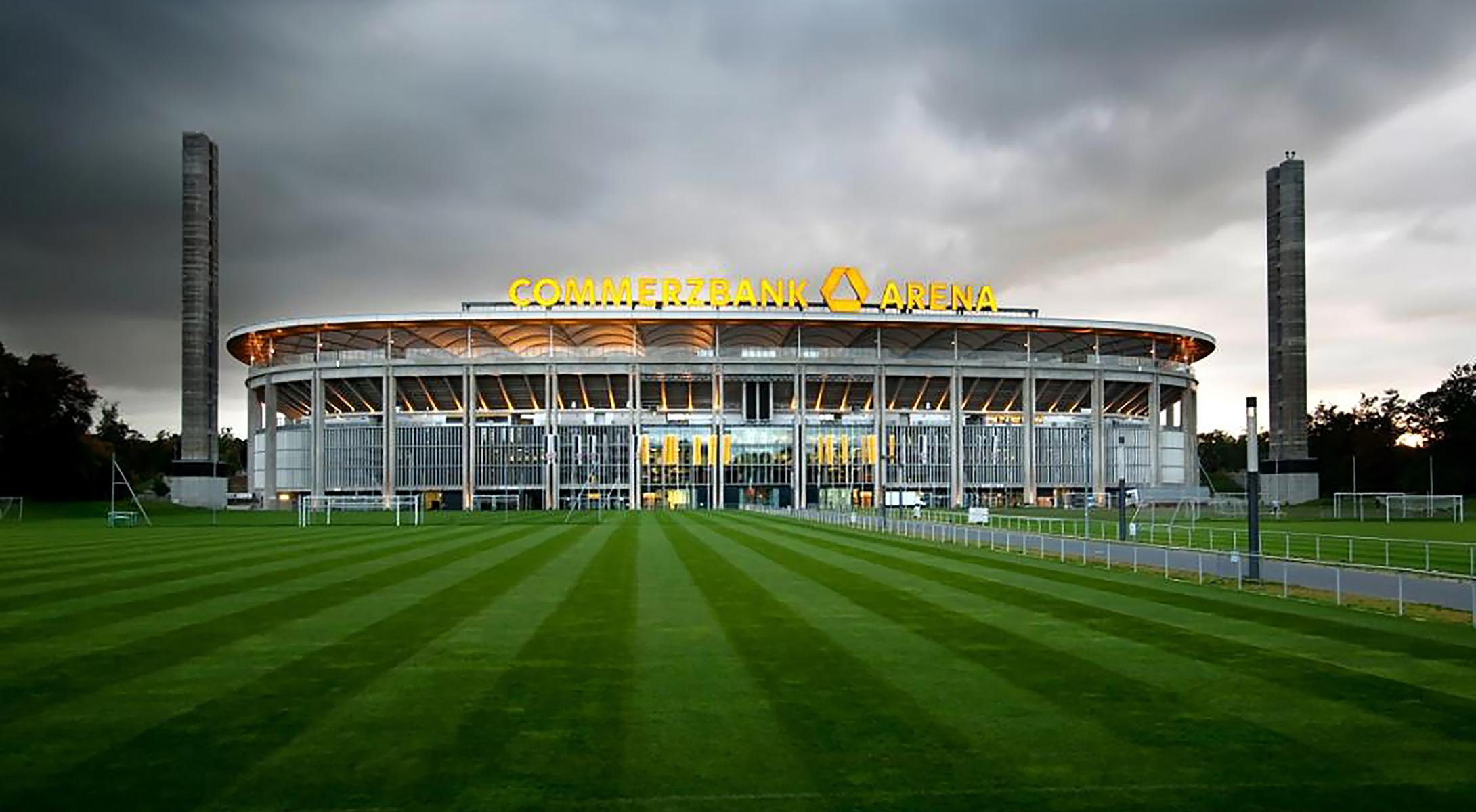 Commerzbank Arena Osttribüne